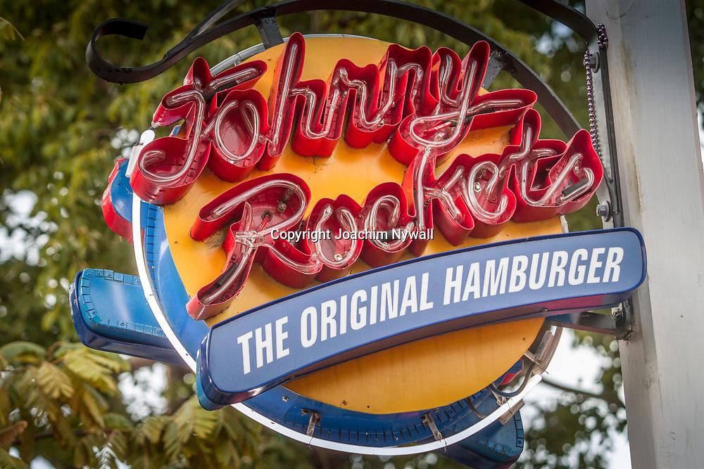 Key West 2015 11 23 Florida<br /> Johnny Rockets hamburgerrestaurang l&auml;ngs Duval Street<br /> <br /> FOTO : JOACHIM NYWALL KOD 0708840825_1<br /> COPYRIGHT JOACHIM NYWALL<br /> <br /> ***BETALBILD***<br /> Redovisas till <br /> NYWALL MEDIA AB<br /> Strandgatan 30<br /> 461 31 Trollh&auml;ttan<br /> Prislista enl BLF , om inget annat avtalas.