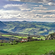 The country is located on a rocky outcrop of the Valmarecchia where you can watch San Marino and Marecchia.