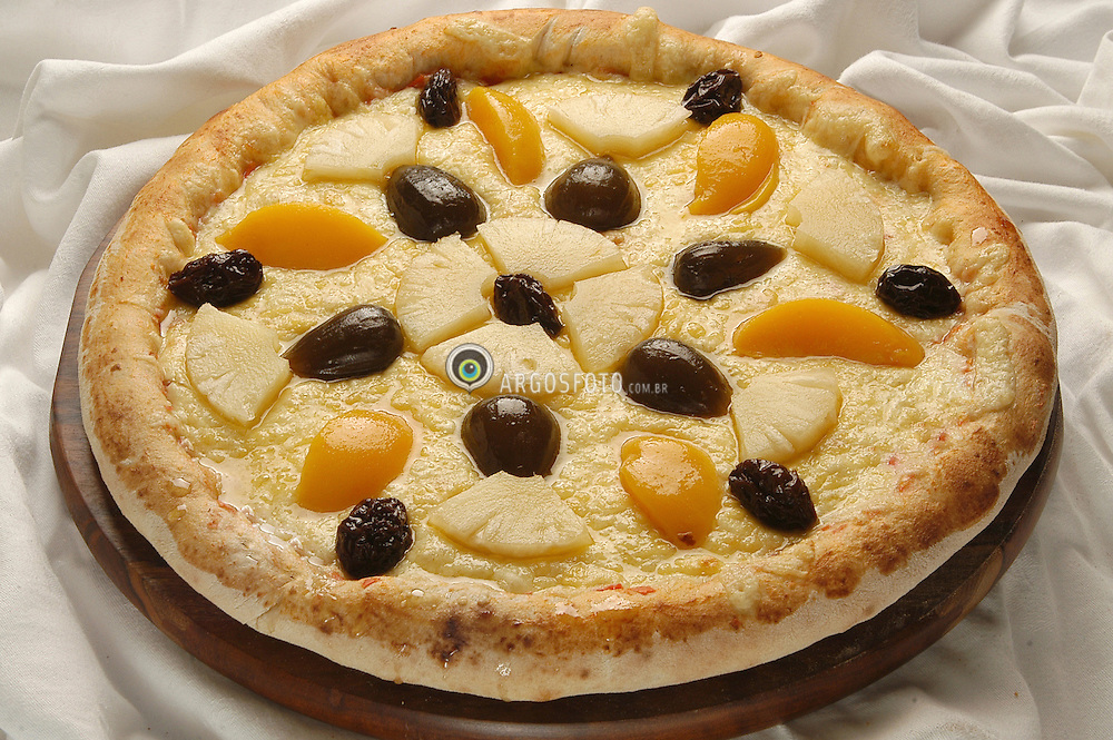 Pizza doce de abacaxi e pessego // Sweet pizza made with peachs and penneaple - 2003