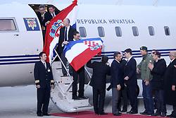 16.11.2012, Flughafen, Zagreb, CRO, Freispruch fuer Generaele Gotovina und Markac. Das UNO-Kriegsverbrechertribunal in Den Haag hat heute in einem Berufungsverfahren die zwei zuvor zu 24 bzw. 18 Jahren Haft verurteilten kroatischen Ex-Generäle Ante Gotovina und Mladen Markac freigesprochen. Ankunft am Airport Zagreb. im Bild Ankunft der beiden freigesprochenen Kroatischen Generäle Ante Gotovina und Mladen Markac am Flughafen in Zagreb // Arrival of the two Croatian generals Ante Gotovina acquitted and Mladen Markac at the airport in Zagreb. The UN war crimes tribunal in Hague has today acquitted on appeal the two previously sentenced to 24 and 18 years in prison for former Croatian generals Ante Gotovina and Mladen Markac, Airport Zagreb, Croatia on 2012/11/16. EXPA Pictures © 2012, PhotoCredit: EXPA/ Pixsell/ Goran Stanzl..***** ATTENTION - OUT OF CRO, SRB, MAZ, BIH and POL *****