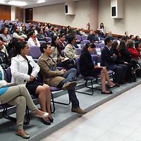TOLUCA, Mexico.- En conferencia de prensa, Omar Iván Gómez, director de Expo Social, presento el programa para la  Expo Social 2013 Congreso internacional,  que se llevará a cabo los próximos días 15 y 16 de octubre en el Centro Cultural Mexiquense, en donde participaran cerca de 50 instituciones civiles privadas y gubernamentales. Agencia MVT. José Hernández.  (DIGITAL)