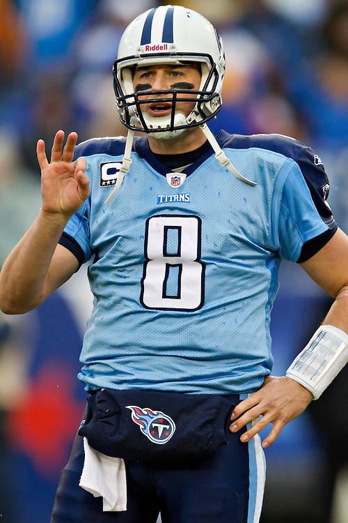 NASHVILLE, TN - NOVEMBER 27:   Quarterback Matt Hasselbeck #8 of the Tennessee Titans signals to the sidelines during a game against the Tampa Bay Buccaneers at LP Field on November 27, 2011 in Nashville, Tennessee.  The Titans defeated the Buccaneers 23 to 17.  (Photo by Wesley Hitt/Getty Images) *** Local Caption *** Matt Hasselbeck