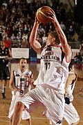 DESCRIZIONE : Biella Lega A1 2008-09 Angelico Biella La Fortezza Virtus Bologna<br /> GIOCATORE : Jonas Jerebko<br /> SQUADRA : Angelico Biella<br /> EVENTO : Campionato Lega A1 2008-2009 <br /> GARA : Angelico Biella La Fortezza Virtus Bologna  <br /> DATA : 25/01/2009 <br /> CATEGORIA : Rimbalzo<br /> SPORT : Pallacanestro <br /> AUTORE : Agenzia Ciamillo-Castoria/E.Pozzo