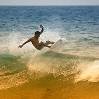 Surfista en Puerto Colombia, Choroni, Edo. Aragua, Venezuela