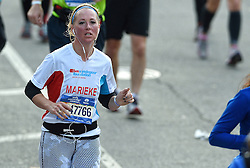 01-11-2015 USA: NYC Marathon We Run 2 Change Diabetes day 4, New York<br /> De dag van de marathon, 42 km en 195 meter door de straten van Staten Island, Brooklyn, Queens, The Bronx en Manhattan / Marieke