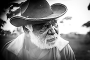 Dinny Smith is a Panagka man born with the traditional name Kuyayina in the desert region of Jameson (Mantamaru). His language is Ngaanyatjarra.  <br />