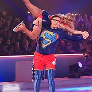 NLD/Hilversum/20130119 - 4e Liveshow Sterren Dansen op het IJs 2013, Tony Wyczynski en schaatspartner Alexandra Murphy