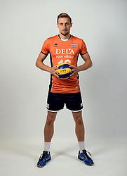 13-05-2014 NED: Selectie Nederlands volleybal team mannen, Arnhem<br /> Op Papendal werd het Nederlands team volleybal seizoen 2014-2015 gepresenteerd / Robin Overbeeke