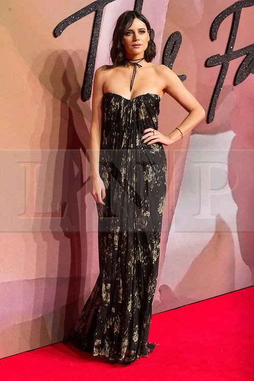© Licensed to London News Pictures. 05/12/2016. LILAH PARSONS arrives for The Fashion Awards 2016 celebrating the best of British and international fashion. London, UK. Photo credit: Ray Tang/LNP