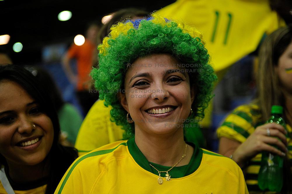 26-06-2010 VOLLEYBAL: WLV NEDERLAND - BRAZILIE: ROTTERDAM<br /> Nederland verliest met 3-1 van Brazilie / Brazil support publiek fans<br /> &copy;2010-WWW.FOTOHOOGENDOORN.NL