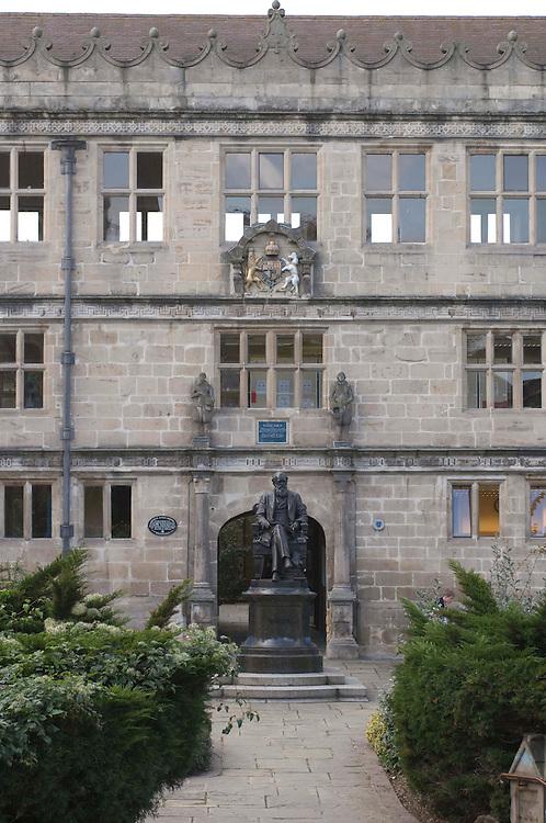 Charles Darwin Statue Shrewsbury Library Shropshire