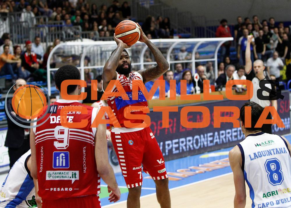 Capo d'Orlando 20/12/2015 - Basket Campionato Lega A 2015/16<br /> Betaland Capo d'Orlando-Consultinvest Pesaro<br /> nella foto: Maurice Walker<br /> Foto Ciamillo