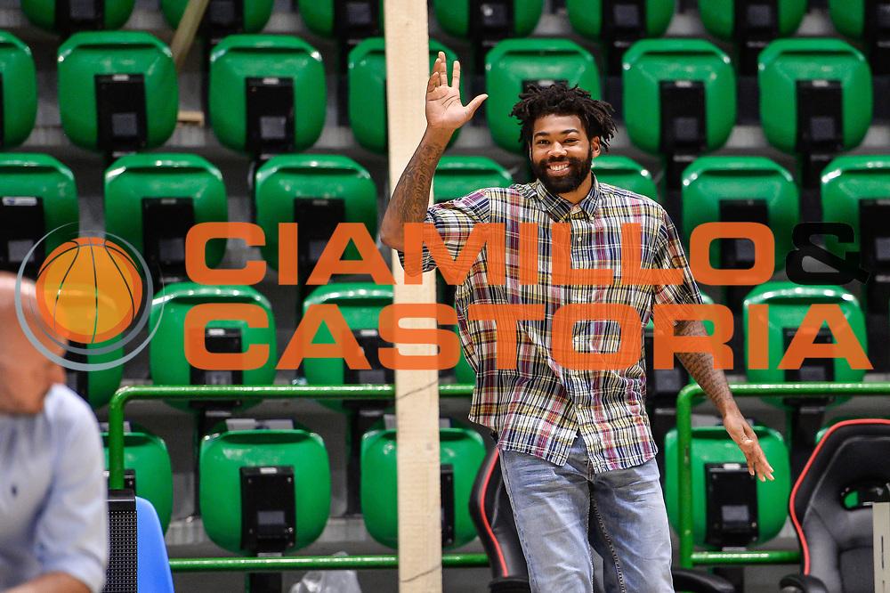 Travor Lacey<br /> Saluti Finali Banco di Sardegna Dinamo Sassari<br /> Legabasket Serie A LBA Poste Mobile 2016/2017<br /> Sassari 18/05/2017<br /> Foto Ciamillo-Castoria