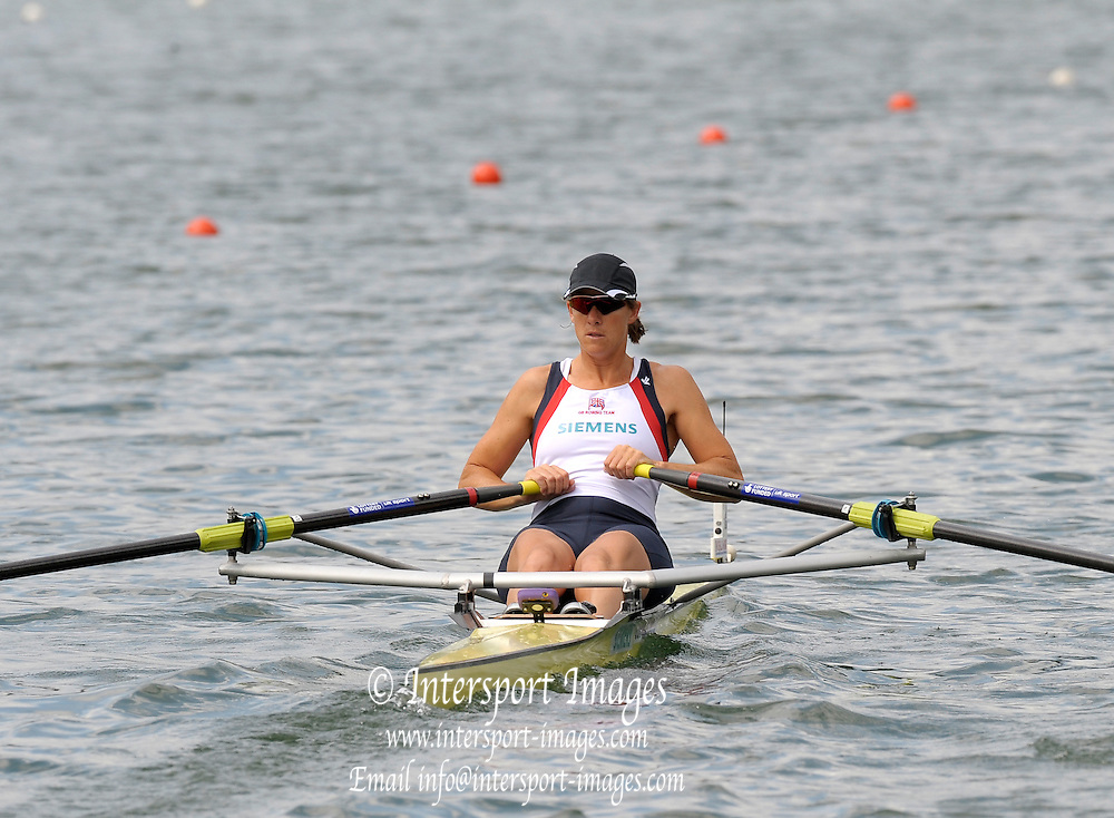 Lucerne, SWITZERLAND,  GBR W1X, Kath GRAINGER, moves away from the start, of the third round of the  2009 FISA World Cup,  on the Rottsee regatta Course, Friday  10/07/2009 [Mandatory Credit Peter Spurrier/ Intersport Images].