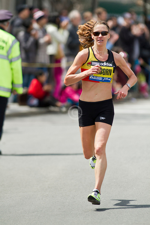 2013 Boston Marathon: Ariana Hilborn, 32, MI, races