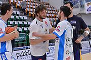 DESCRIZIONE : Beko Legabasket Serie A 2015- 2016 Dinamo Banco di Sardegna Sassari - Manital Auxilium Torino<br /> GIOCATORE : Guido Rosselli Lorenzo D'Ercole<br /> CATEGORIA : Fair Play Before Pregame<br /> SQUADRA : Manital Auxilium Torino<br /> EVENTO : Beko Legabasket Serie A 2015-2016<br /> GARA : Dinamo Banco di Sardegna Sassari - Manital Auxilium Torino<br /> DATA : 10/04/2016<br /> SPORT : Pallacanestro <br /> AUTORE : Agenzia Ciamillo-Castoria/L.Canu