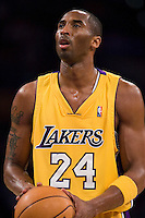 27 March 2007: Guard Kobe Bryant of the Los Angeles Lakers shoots a freethrow against the Memphis Grizzlies during the second half of the Grizzlies 88-86 victory over the Lakers at the STAPLES Center in Los Angeles, CA.