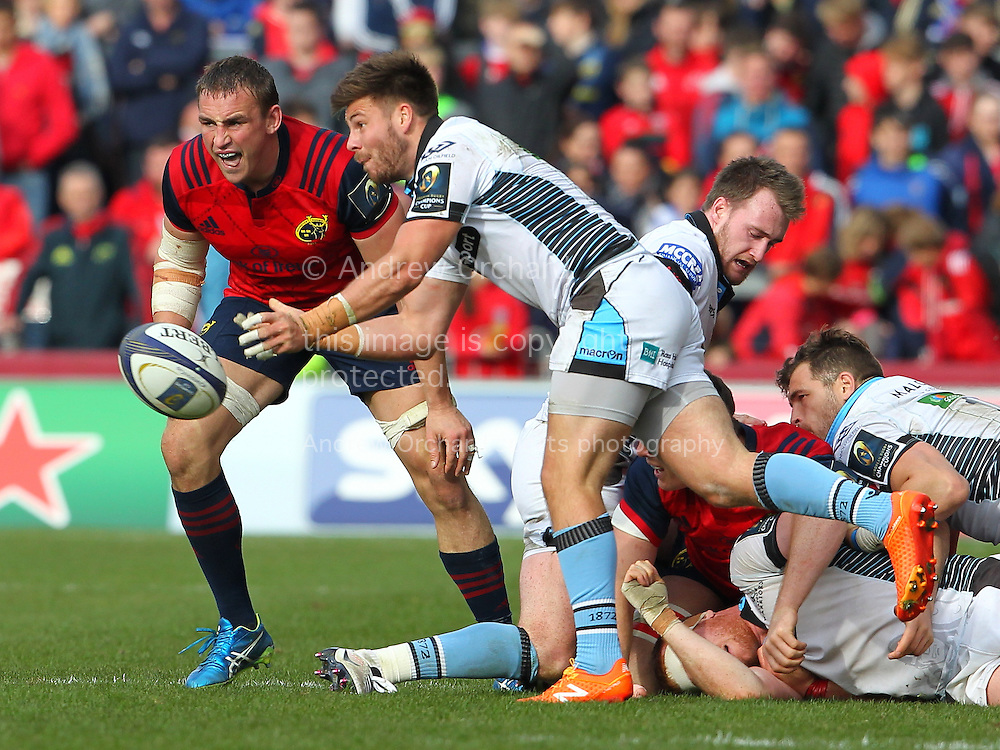 Tim Swinson of Glasgow Warriors in action. European Rugby Champions cup match, pool one, Munster Rugby v Glasgow Warriors at Thomond Park in Limerick , Ireland on Saturday 22nd October 2016.<br /> pic by  John Halas, Andrew Orchard sports photography.