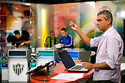 Belo Horizonte_MG, Brasil...Gravacao do programa esportivo Alterosa Esportes, apresentado por Leopoldo Siqueira, com participacao de Dudu (torcedor do Atletico), Jair Bala (torcedor do America) e Bauxita (torcedor do Cruzeiro). ..The recording of sport program Alterosa Esportes, presented by Leopoldo Siqueira, with participation of Dudu (Atletico fan), Jair Bala (America fan) and Bauxita (Cruzeiro fan)...Foto: LEO DRUMOND / NITRO
