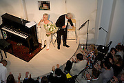 DAME JUDY DENCH AND  SIR RICHARD EYRE. These Foolish Things, charity evening hosted by Sir Richard and Lady Rogers. Chelsea. London. 7 May 2008.  *** Local Caption *** -DO NOT ARCHIVE-© Copyright Photograph by Dafydd Jones. 248 Clapham Rd. London SW9 0PZ. Tel 0207 820 0771. www.dafjones.com.