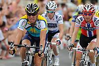 Sykkel<br /> Tour de France<br /> Foto: DPPI/Digitalsport<br /> NORWAY ONLY<br /> <br /> CYCLING - TOUR DE FRANCE 2009 - PERPIGNAN (FRA) - 08/07/2009 <br /> <br /> STAGE 5 - LE CAP D'AGDE > PERPIGNAN - LANCE ARMSTRONG (USA) / ASTANA<br /> I bakgrunnen Kurt Asle Arvesen