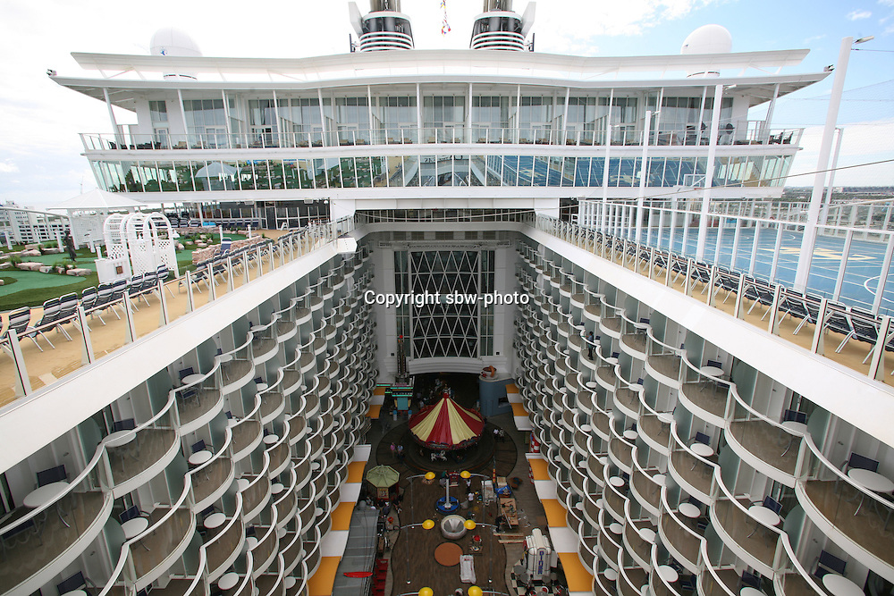 The launch of Royal Caribbean International's Oasis of the Seas, the worlds largest cruise ship..View down to the Board Walk