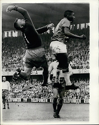 Jun. 06, 1958 - Brazil Beats Sweden 5 - 2 To Win World Cup. Photo shows Kalie Svensson the Swedish goalkeeper and Pele the Brazilian inside left in a tussle for the ball in Stockholm. (Credit Image: © Keystone Press Agency/Keystone USA via ZUMAPRESS.com)