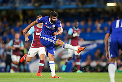 Diego Costa of Chelsea scores a goal to make it 2-1 - Rogan Thomson/JMP - 15/08/2016 - FOOTBALL - Stamford Bridge Stadium - London, England - Chelsea v West Ham United - Premier League Opening Weekend.