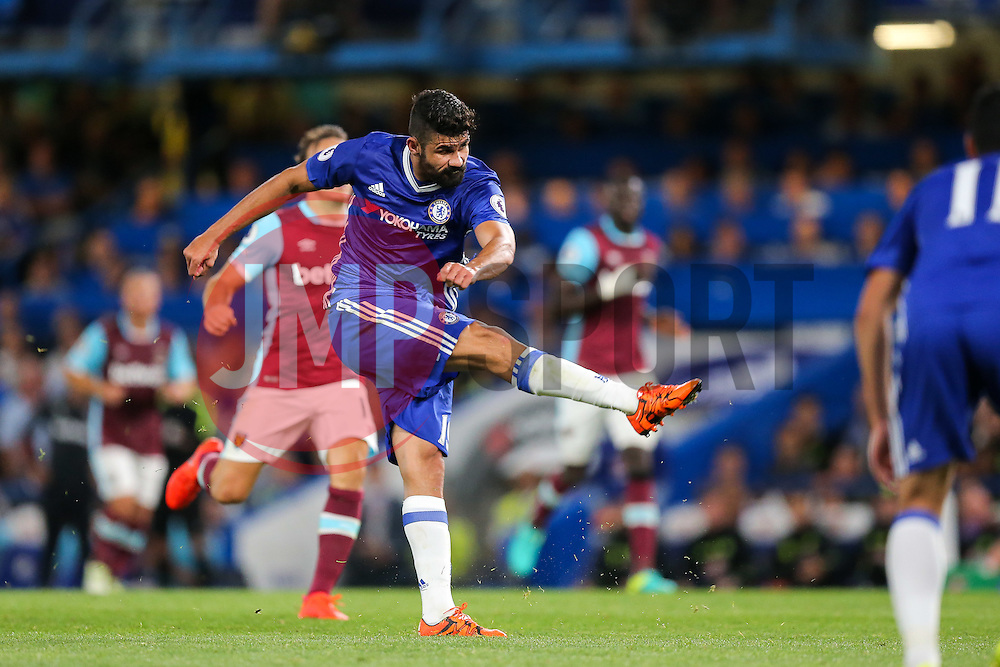 Diego Costa of Chelsea scores a goal to make it 2-1 - Rogan Thomson/JMP - 15/08/2016 - FOOTBALL - Stamford Bridge Stadium - London, England - Chelsea v West Ham United - Premier League Opening Weekend.