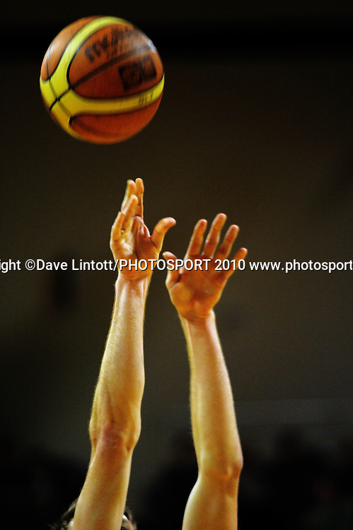 Pistons' Thomas Abercrombie shoots a penalty.<br /> NBL - Wellington Saints v Waikato Pistons at TSB Bank Arena, Wellington. Saturday, 29 May 2010. Photo: Dave Lintott/PHOTOSPORT