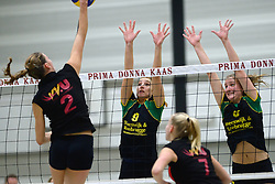 12-12-2015 NED: Prima Donna Kaas Huizen - VV Utrecht, Huizen<br /> In de Topdivisie verslaat PDK Huizen vv Utrecht met 3-1 / Bianca de Kock #9, Kirsten Sparnaay #6