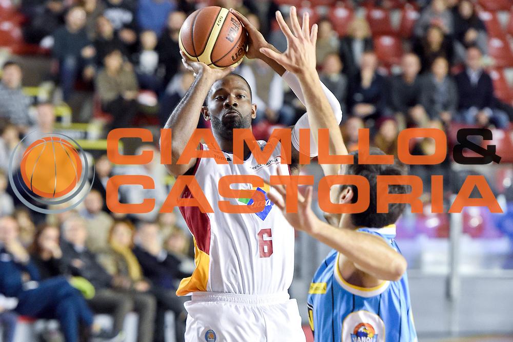 DESCRIZIONE : Roma Lega A 2014-15 Acea Roma vs Vanoli Basket Cremona<br /> GIOCATORE : Jones Bobby<br /> CATEGORIA : Tiro<br /> SQUADRA : Acea Roma<br /> EVENTO : Campionato Lega A 2014-2015 GARA : Acea Roma vs Vanoli Basket Cremona<br /> DATA : 07/12/2014 <br /> SPORT : Pallacanestro <br /> AUTORE : Agenzia Ciamillo-Castoria/GiulioCiamillo <br /> Galleria : Lega Basket A 2014-2015 <br /> Fotonotizia : Acea Roma Lega A 2014-15 Acea Roma vs Vanoli Basket Cremona<br /> Predefinita :
