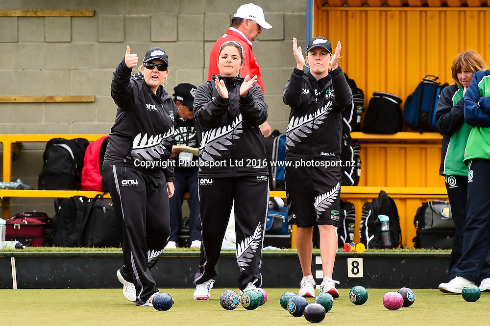 (l to R) Kirsten Edwards, Angela Boyd and Katelyn Inch all part of the NZL womens Four during the World Bowls Championships, Christchurch, New Zealand, 1st December 2016. © Copyright Photo: John Davidson / www.photosport.nz