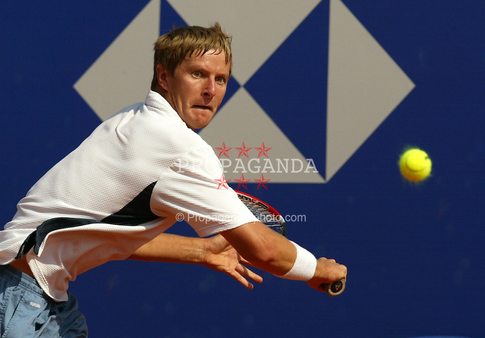 MONTE-CARLO, MONACO - Tuesday, April 15, 2003: Yevgeny Kafelnikov (Russia) in action during the 1st Round of the Tennis Masters Monte-Carlo. (Pic by David Rawcliffe/Propaganda)