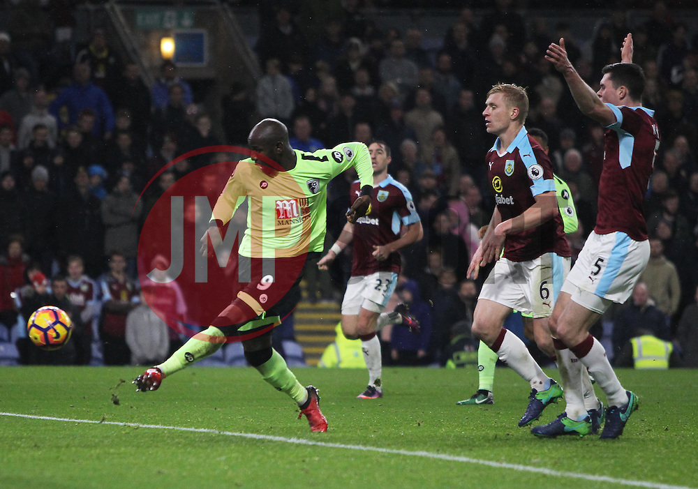 Benik Afobe of Bournemouth scores but the goal is given as offside - Mandatory by-line: Jack Phillips/JMP - 10/12/2016 - FOOTBALL - Turf Moor - Burnley, England - Burnley v AFC Bournemouth - Premier League