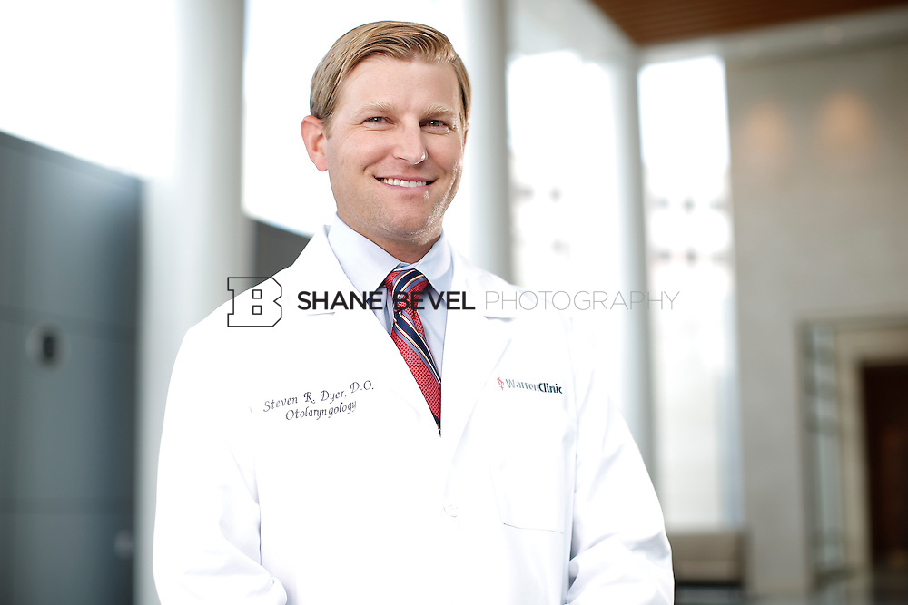 7/22/15 3:22:02 PM -- Dr. Steven Dyer poses for a portrait. <br /> <br /> Photo by Shane Bevel