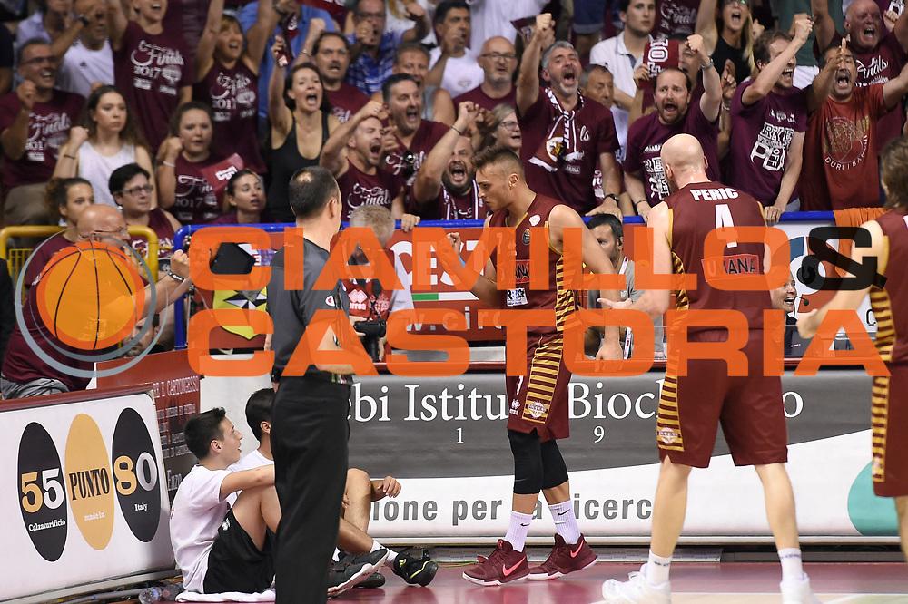 Stefano Tonut<br /> Umana Reyer Venezia - Dolomiti Energia Aquila Basket Trento<br /> Lega Basket Serie A 2016/2017<br /> Playoff, finale gara 2<br /> Venezia, 12/06/2017<br /> Foto M.Ceretti / Ciamillo-Castoria