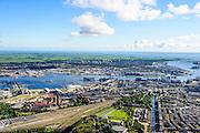 Nederland, Noord-Holland, Amsterdam, 27-09-2015; Amsterdam-West, Staatsliedenbuurt en Westerpark gezien langs de as van Haarlemmervaart en Haarlemmerweg. Links Westergasfabriek, AMsterdam Noord en Waterland met IJsselmeer aan de horizon.<br /> Amsterdam-West, overview.<br /> <br /> luchtfoto (toeslag op standard tarieven);<br /> aerial photo (additional fee required);<br /> copyright foto/photo Siebe Swart