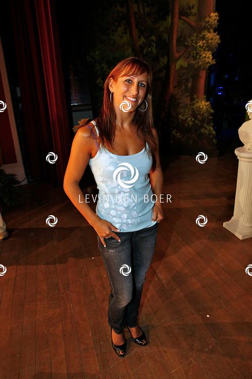 TONGEREN BELGIE - In het oude Casino waren de filmopnames van Mega Mindy en het Zwarte Kristal.  Met op de foto danseres Leila Akcelik. FOTO LEVIN DEN BOER - PERSFOTO.NU