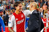 15-08-2015 VOETBAL:AJAX-WLLEM II:AMSTERDAM<br /> Mitchell Dijks van Ajax bedankt Trainer/Coach Jurgen STREPPEL van Willem II <br /> <br /> Foto: Geert van Erven
