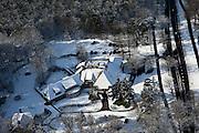 Nederland, Noord-Holland, Gemeente Baarn, 31-01-2010; Groot Kievitsdal in de bossen van Landgoed Pijnenburg, restaurant in oude villa / landhuis.luchtfoto (toeslag), aerial photo (additional fee required).foto/photo Siebe Swart