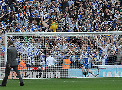 Bristol Rovers Manager, Darrell Clarke celebrates in front of the fans - Photo mandatory by-line: Neil Brookman/JMP - Mobile: 07966 386802 - 17/05/2015 - SPORT - football - London - Wembley Stadium - Bristol Rovers v Grimsby Town - Vanarama Conference Football