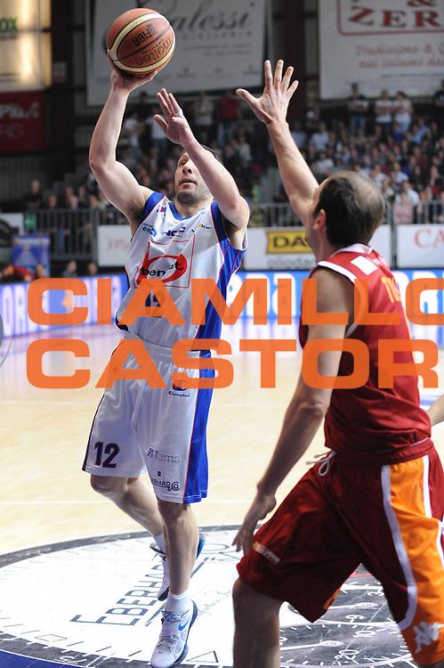 DESCRIZIONE : Cantu Lega A 2011-12 Bennet Cantu Acea Virtus Roma<br /> GIOCATORE : Nicolas Mazzarino<br /> CATEGORIA : tiro<br /> SQUADRA : Bennet Cantu <br /> EVENTO : Campionato Lega A 2011-2012<br /> GARA : Bennet Cantu Acea Virtus Roma<br /> DATA : 17/03/2012<br /> SPORT : Pallacanestro <br /> AUTORE : Agenzia Ciamillo-Castoria/M.Marchi<br /> Galleria : Lega Basket A 2011-2012 <br /> Fotonotizia : Cantu Lega A 2011-12 Bennet Cantu Acea Virtus Roma<br /> Predefinita :