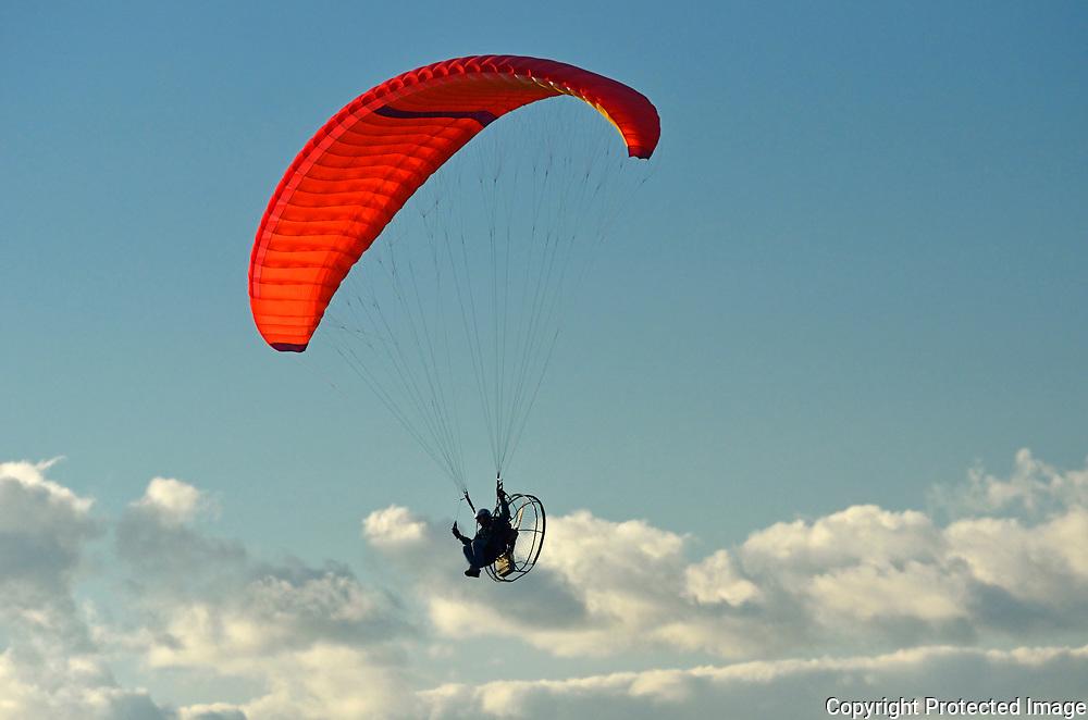 Hang gliding in Qu' Appelle Valley<br />Craven<br />Saskacthewan<br />Canada