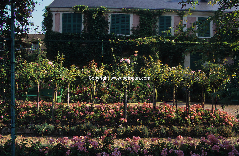 Claude Monet museum house and garden  Giverny  France     /  Musee Claude Monet maison et jardin  Giverny  France