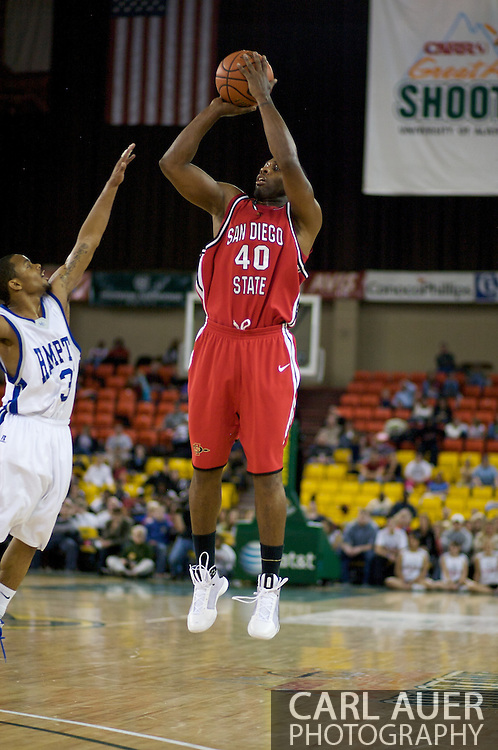 November 29, 2008: San Diego State's Kelvin Davis (40) shoots over Hampton's Rashad West (3) in the championship game of the 2008 Great Alaska Shootout at the Sullivan Arena.  San Diego State would keep Hampton scoreless for most of the first 7 minutes of the game and never look back on the Aztec's run to the win Saturday night.