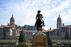 Dec. 11, 2013 - Dec. 11, 2013 - Thousands of people qued to see South African leader Nelson Mandela on lit de parade at Union Buildings. When the gates closed for the days chaos broke out. Pretoria, South Africa 11 Dec 2013 ..Nelson Mandela, politiker Sydafrika, är död. Kaos när Union buildings, där Mandela ligger pÃ¥ lit de parade stänger (Credit Image: © Bardell Andreas/Aftonbladet/IBL/ZUMAPRESS.com)