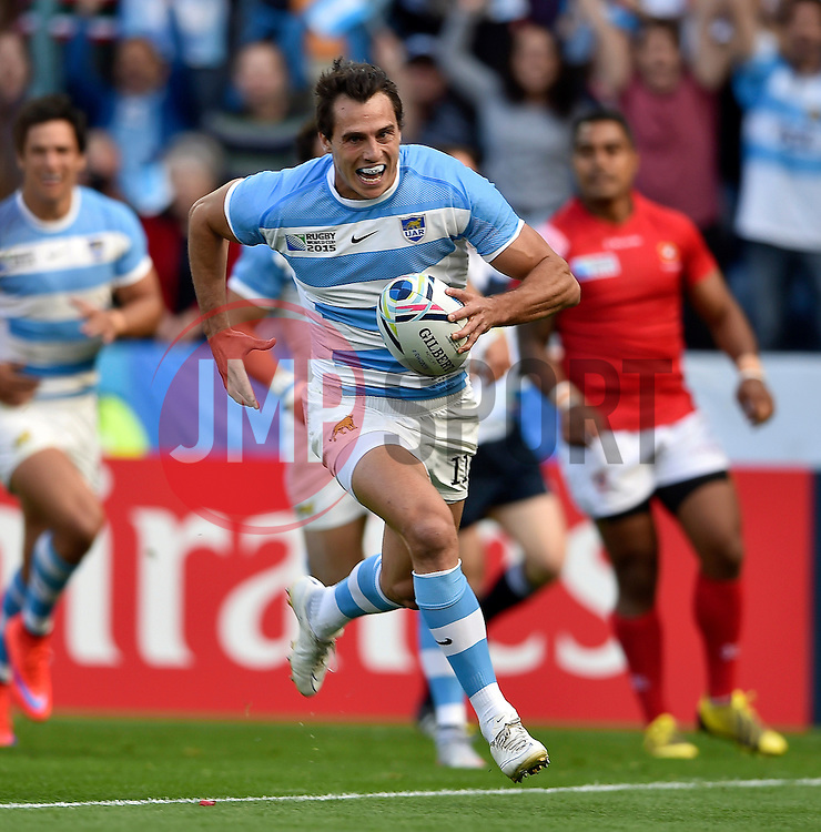Juan Imhoff of Argentina runs in a try in the first half - Mandatory byline: Patrick Khachfe/JMP - 07966 386802 - 04/10/2015 - RUGBY UNION - Leicester City Stadium - Leicester, England - Argentina v Tonga - Rugby World Cup 2015 Pool C.