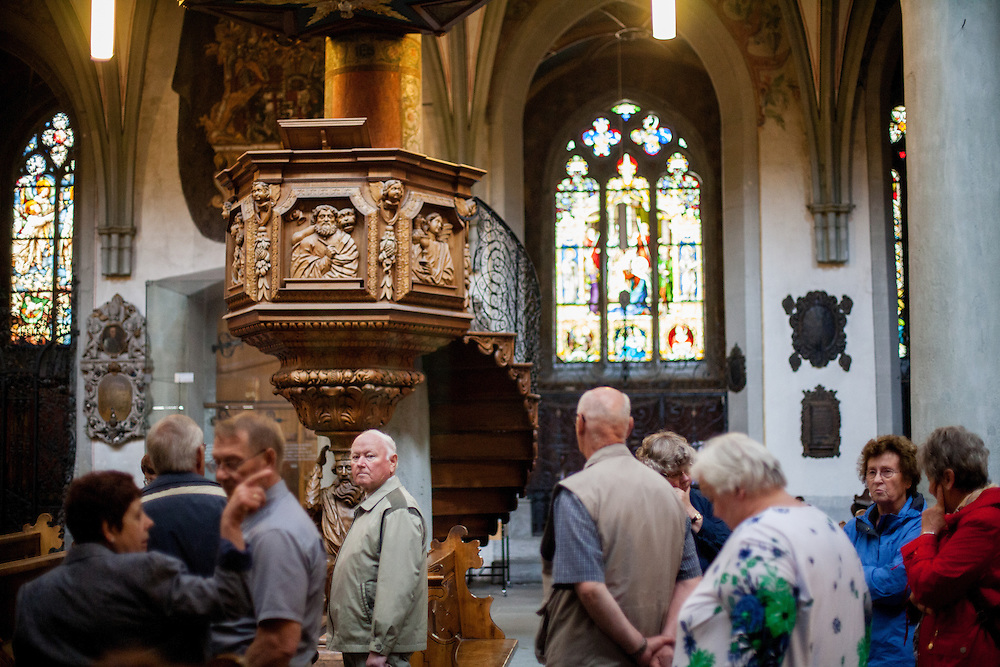 Visitors at the Constance Minster (Konstanzer Münster). The condemnation of Jan Hus took place on 6 July 1415, in the presence of the assembly of the Council in the Cathedral (Minster). After the High Mass and Liturgy, Hus was led into the church. The Bishop of Lodi delivered an oration on the duty of eradicating heresy; then some theses of Hus and Wycliffe and a report of his trial were read.