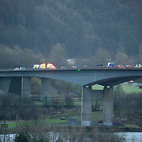Traffic chaos on the M90 motorway in Perth after a trailer was blown over by high winds on the Friarton Bridge….The incident can be seen in the far left of the photograph over the River Tay…..29.01.16<br />